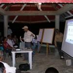 Juan Carlos Explicando el proyecto
